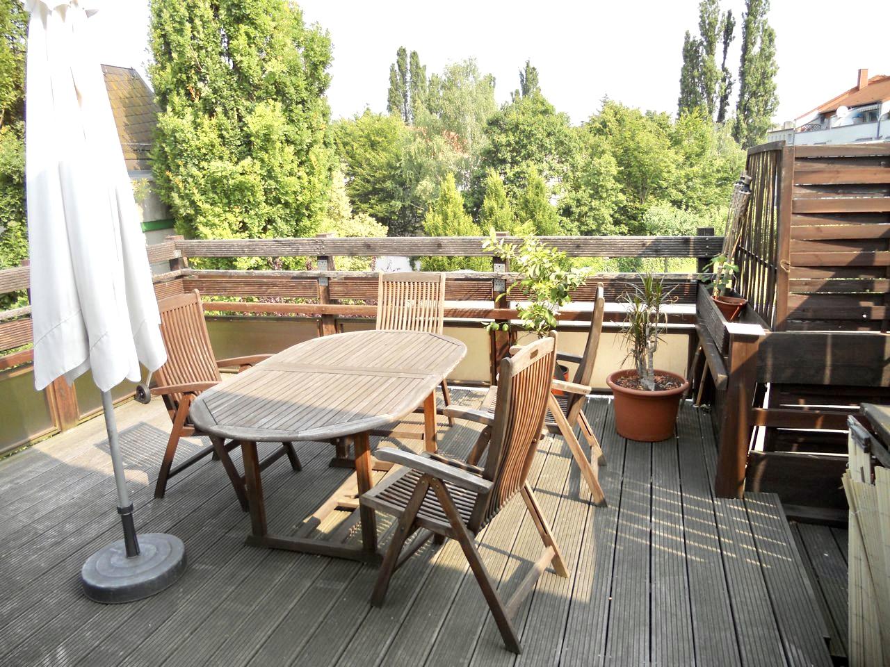 Frankfurt: Wohnung mit Terrasse