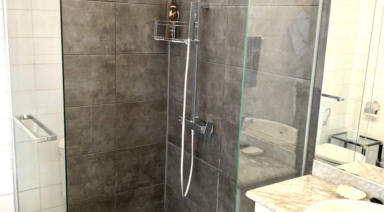 Guest Apartment 2 - Bathroom