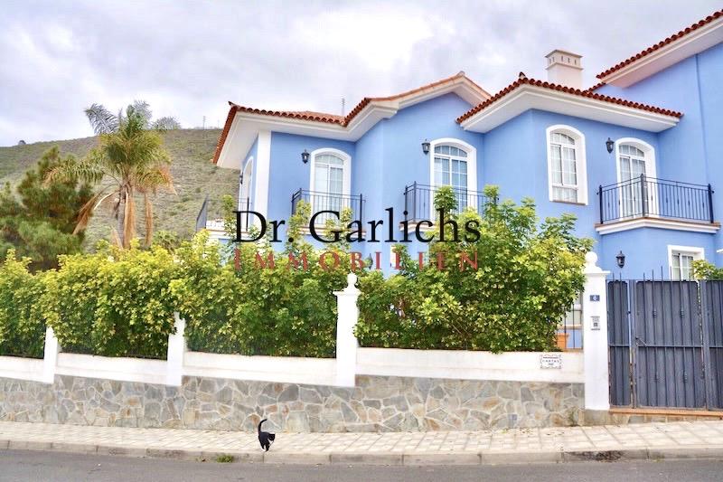 Moderne Doppelhaushälfte in La Orotava