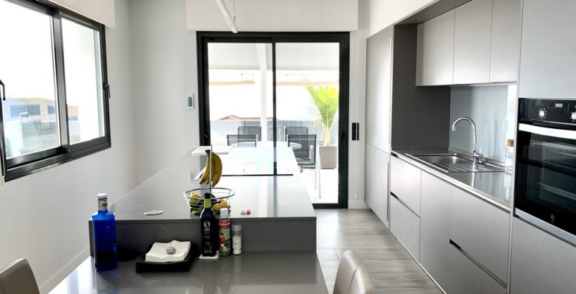 Designer-Neubau-Villa in exzellenter Lage